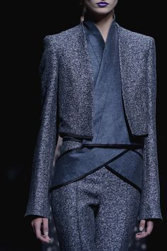 By Columbian designer Haider Ackermann Spring 2013 RTW - Details - Fashion Week - Runway, Fashion Shows and Collections - Vogue - Vogue Fashion Details, Look Fashion, High Fashion, Fashion Show, Fashion Pants, Fashion Outfits, Looks Style, Looks Cool, Style Me