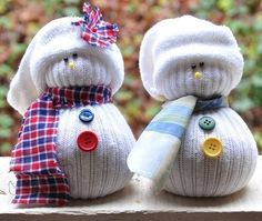 Here is a nice kids crafts -- make snowman from plastic spoon. Snowman crafts for kids are almost as much fun as making a real snowman. 10 Days Of Christmas, Noel Christmas, Christmas Crafts For Kids, Christmas Projects, Simple Christmas, Holiday Crafts, Holiday Fun, Christmas Gifts, Christmas Decorations