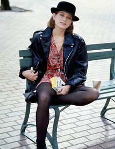 Bridget Fonda in the movie Singles (1992) Leather jackets, cute dresses, tights and boots.
