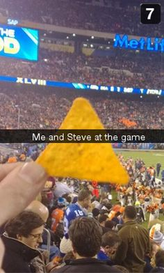 IS THIS A THING NOW OR IS THIS A THING NOW. And excuse me but that dorito is upside down. Marvel Fan, Marvel Heroes, Marvel Avengers, Avengers Movies, Marvel Movies, Chris Evans Captain America, Steve Rogers, Bucky Barnes, Marvel Cinematic Universe