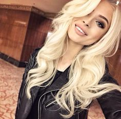 Great hair! Blondie