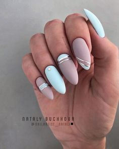 Charming Matte Nail Designs To Try This Fall Matte nails should absolutely be at the top of your list for your next trip to the salon. As well as being on-trend they are also sleek, sophisticated and a more subtle option for professional babes. Best Acrylic Nails, Matte Nails, Acrylic Nail Designs, Nail Art Designs, Gel Nails, Nails Design, Coffin Nails, Elegant Nails, Stylish Nails