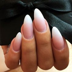 The almond shape is considered to be among sturdier nail shapes because its tip is not too pointy. And this shape is usually done on longer nails, thus creating the real canvas for various nail art. Now let's discover trendy and eye-pleasing nail designs Ongles Gel French, Almond Nails French, Almond Shape Nails, French Tip Nails, Nails Shape, Short Almond Shaped Nails, Long Almond Nails, Acrylic Nails Almond Classy, Matte Almond Nails