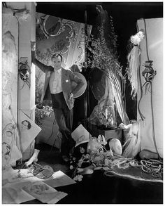 Cecil Beaton :: Self portrait, 1938