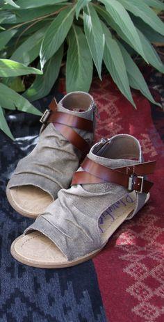 Blowfish Shoes cutout sandal Balla in brown rancher