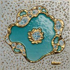 El cuadro 'Persia' guarda viento y nubes, anhelos, ofrendas y fábulas perfumadas de Oriente Medio. Inmortalidad intrínseca de permanece en un lago turquesa sereno y perpetuo