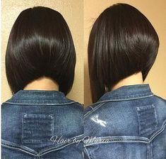 Like this hair Angled Bob Haircuts, Inverted Bob Hairstyles, Cool Hairstyles, Medium Hair Styles, Short Hair Styles, Great Hair, Hair Dos, Short Hair Cuts, New Hair