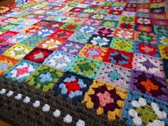 granny-RoseValley. close up of colors & border detail