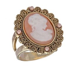 Lovely Cameo Ring