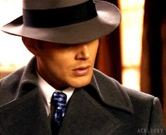 Fedora Dean! Why does this man look so good in this hat? [GIF]
