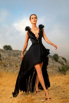 Vogue Fashion, Runway Fashion, Fashion Show, Fashion Design, Elie Saab Couture, Glamour, Elie Saab Spring, Ellie Saab, Models