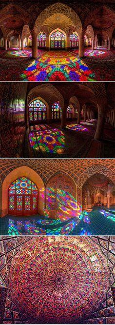 cool-Nasir-al-Mulk-Mosque-rainbow