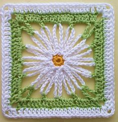 Häkelanleitung * Granny Square 'Marguerite' by Lila - free crochet pattern in German with diagram. Granny Square Crochet Pattern, Crochet Blocks, Crochet Squares, Crochet Granny, Crochet Motif, Crochet Stitches, Free Crochet, Granny Squares, Crochet Daisy