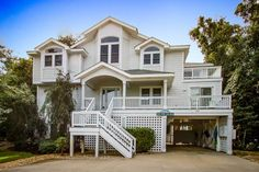 """Bring in the New Year at """"Beach House on the Moon"""" 8 bedrooms, 7.1 bathrooms, December 31 week has been discounted for $700 off! 