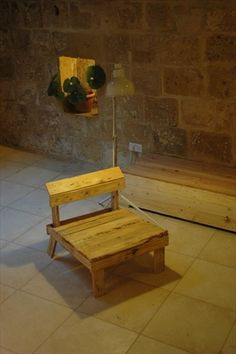 12 Easy Wooden Pallet Chair | EASY DIY and CRAFTS