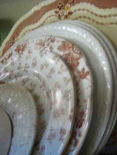 Love this photo of brown transferware plates