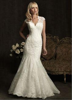 Elegant Exquisite Tulle Mermaid V-neck Slightly Wedding Dress