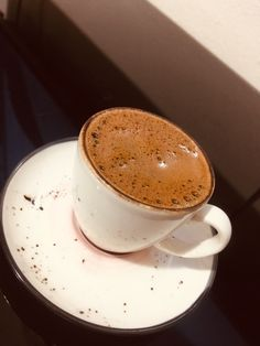 Blush Wine, Coffee Flower, Rainbow Wallpaper, Story Instagram, But First Coffee, Coffee Time, Coffee Coffee, Chocolate Coffee, Beverages