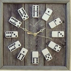 DIY: Domino Clock idea is unique and simple. It appears very eye-catching and stylish once you hang Domino clock in your house or office wall. Old Board Games, Old Games, Game Boards, Game Room Decor, Diy Room Decor, Ideas Paso A Paso, Fun Crafts, Diy And Crafts, Upcycled Crafts