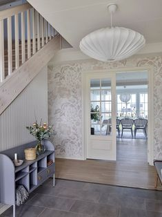 〚 New home, traditional comfort: another beautiful Swedish cottage 〛 ◾ Photos ◾ Ideas ◾ Design #hallway #corridor #entry #entryway #interior #design #homedecor #home #decor #interiordesign #idea #inspiration #cozy #living #space #style
