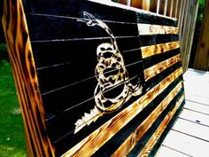 Rustic-Wooden-Dont-Tread-On-Me-Flag