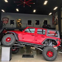 Jeeps Are Just Awesome! Jeep Jk, Jeep Rubicon, Jeep Truck, Pickup Trucks, White Jeep, Black Jeep, Wrangler Jl, Jeep Wrangler Unlimited, Cool Jeeps