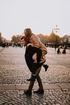 we life is good Couple Photoshoot Poses, Couple Photography Poses, Couple Posing, Couple Shoot, Cute Couples Photos, Couples In Love, Couple Pictures, Photo Couple, Love Couple
