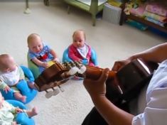 Granduncle Plays Guitar for His Quadruplet Grand-Nieces and Nephews Funny Babies, Cute Babies, Funny Gifs, Hilarious, Little Babies, Little Girls, Toddler Dance, Mommy Humor, Kids Singing