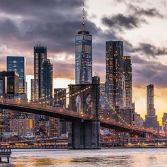 from - Classic beauty. Brooklyn Bridge and Lower Manhattan at sundown. View from Brooklyn Bridge Park, Brooklyn, New… Best Vacation Spots, Best Vacations, Cool Places To Visit, Places To Travel, Travel Pics, Scenery Background, Brooklyn Bridge Park, New York City Travel, Looking Out The Window