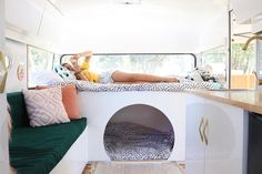 Caravan Makeover 607071224760365254 - Fabulous caravan bunk beds with a cubby created out of the lower bunk. What a great sleeping (and playing) space for a young child. Source by caravanqueens Caravan Bunk Beds, Diy Caravan, Diy Camper, Caravan Ideas, Rv Campers, Rv Bunk Beds, Camper Van, Airstream Interior, Campervan Interior