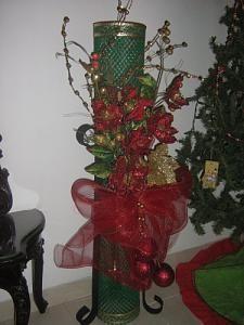 1000 images about arreglos de flores on pinterest for Arreglos navidenos para mesa