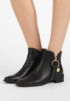 207 Best Fashion Boots images in 2020 | Kozaki, Botki, Buty