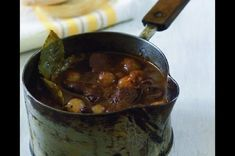 Zvěřina po burgundsku   Apetitonline.cz Iron Pan, Stew, Pudding, Meat, Hub, Kitchen, Recipes, Food, Cooking