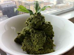 Raw Vegan Garlic Basil Pesto. Click here to get the full recipe - http://www.youngandraw.com/2011/10/19/garlic-basil-pesto/ #raw #vegan #recipe