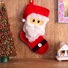 Christmas Party Table, Snowman Christmas Decorations, Christmas Crafts For Kids, Xmas Crafts, Christmas Snowman, Diy And Crafts, Holiday Decor, Party Table Decorations, Flower Decorations