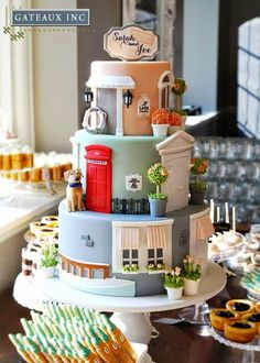 Sarah and Joe's Honeymoon inspired wedding cake