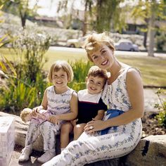 Mom style mother daughter matching debbie reynolds MPTV/David Sutton
