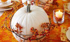 Kreatív megoldások őszi esküvői dekorációhoz. #őszi #esküvő #dekoráció #tök #toboz #falevél #autumn #fall #wedding #pinecone #leaves