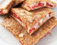 Low carb a keto tortily se sýrem a rajčátky - Keto Recepty Sandwiches, Paleo, Low Carb, Recipes, Food, Essen, Beach Wrap, Meals, Eten