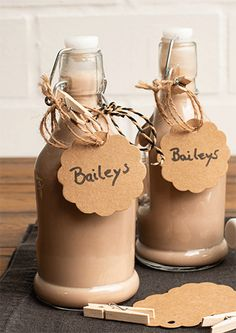 Baileys Irish Cream, Cocktails, Alcoholic Drinks, Driving Home For Christmas, Mixed Drinks Alcohol, Party Snacks, Smoothies, Food And Drink, Christmas Gifts