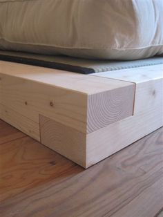 lit futon bois