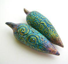 Hollow bead carved & painted - Claire Maunzel @ Zibibt.com