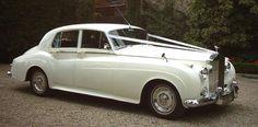 instead of limos... Aaaah Rolls Royce, classic