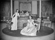 Modèles de Christian Dior, couturier français. Paris, pavillon de Marsan, 30…
