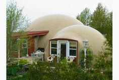 Collin MacLeod and Sunny Cushnie, partners of the Great Lakes Dome Co., built this dome house in Southampton, Ont.