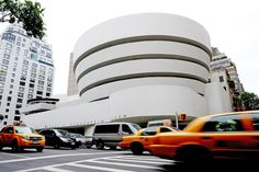 (MENAFN - AFP) Eight masterworks by US architect Frank Lloyd Wright, including the Guggenheim Museum in New York, were selected as World Heritage site Manhattan, Architecture Organique, Frank Lloyd Wright Buildings, Unusual Buildings, Famous Buildings, New York Museums, Frank Gehry, School Architecture, Architectural Digest