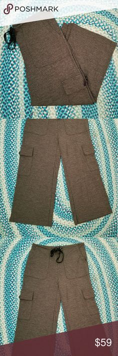 Theory pants Cropped flare pants. Excellent condition Theory Pants