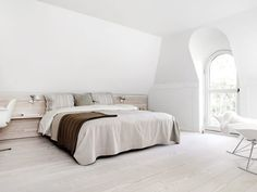nordic design - this bedroom would double as my home yoga studio :)