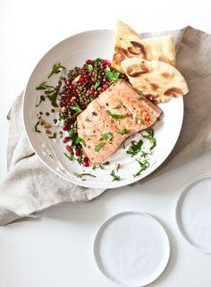 Pomegranate Lentil Salsa and Salmon Flatbread recipe, healthy dinner salad, Nutritious Meals, Healthy Snacks, Healthy Recipes, Healthy Cooking, Entree Recipes, Seafood Recipes, Cooking Salmon, Dinner Salads, Food Menu