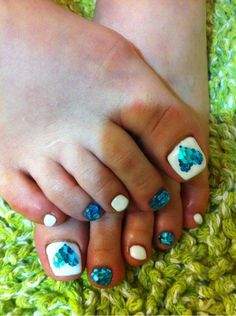 This links to some Japanese website with very ornate and creative manicures and pedicures. It's worth a look.